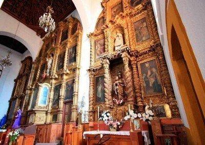 Iglesias en San Cristóbal: Retablo de la Catedral de San Cristóbal de las Casas